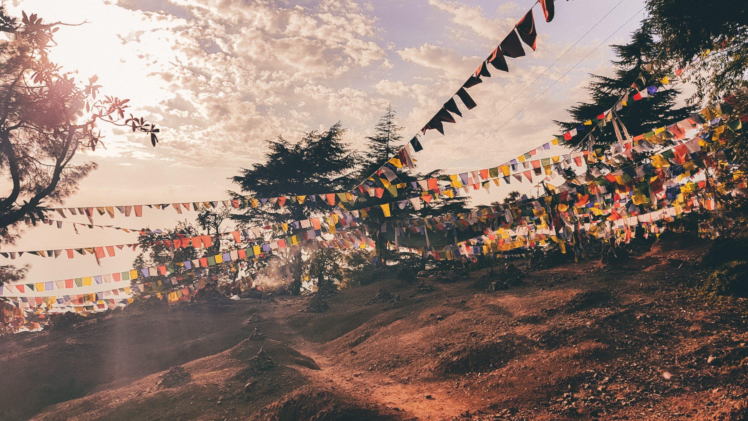 Reisen-Tibetische Flaggen-Daramshala-Tushita-Himalaya